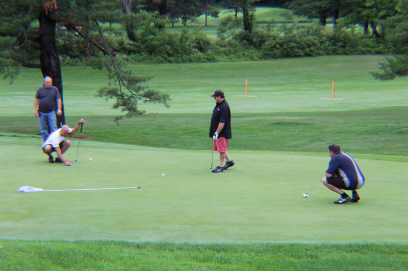 lining up their putts