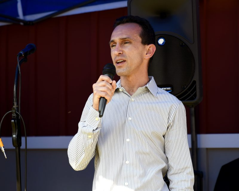 Retired Hall of Fame Jockey Ramon Dominguez speaks at Croquet on the Green