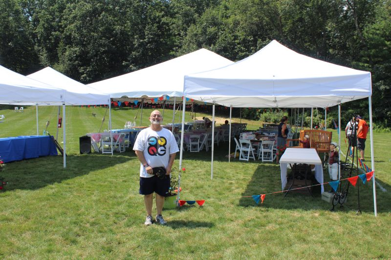 Quad Graphics employee volunteers at Croquet on the Green event