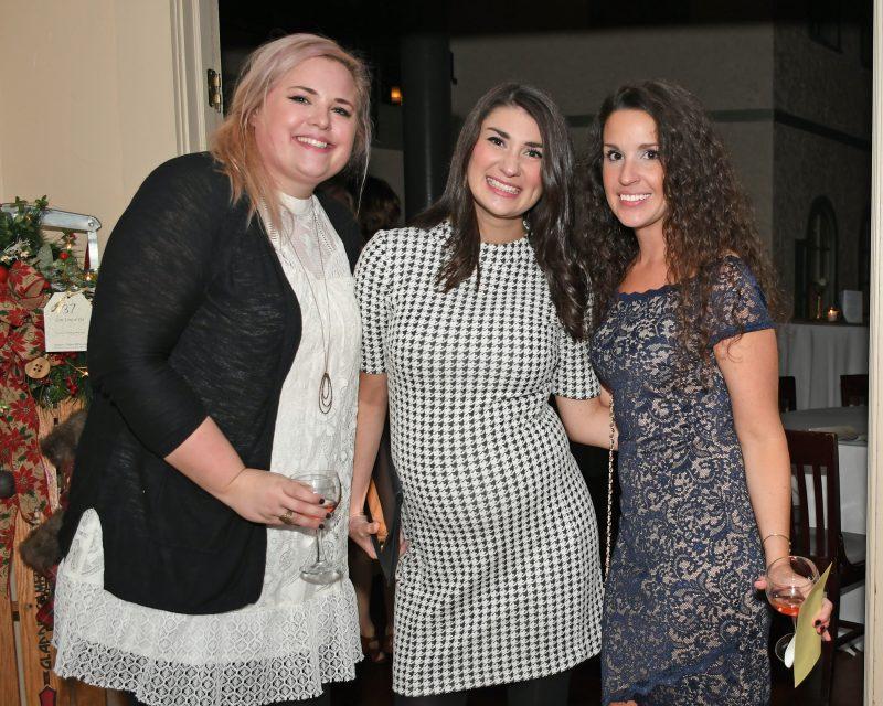 Amber Suttle, Chelsea Williams, Kristi Wiliams enjoying the Vin Le Soir event