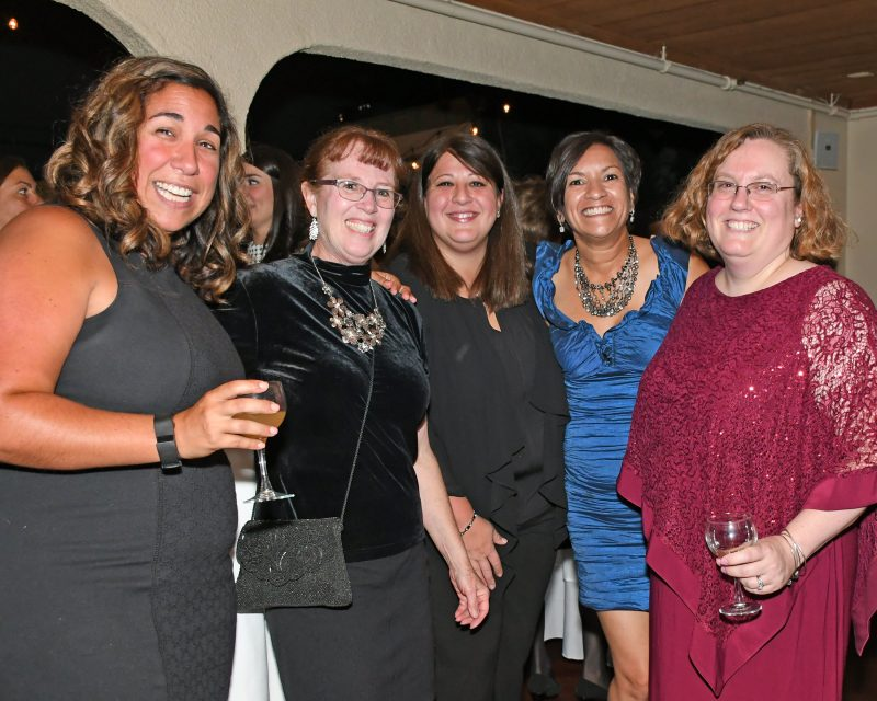 Danielle Wiltsie, Jean Pokrzywka, Renee Hebert, Frances Ghaly, Dawn Livote enjoying the Vin Le Soir event