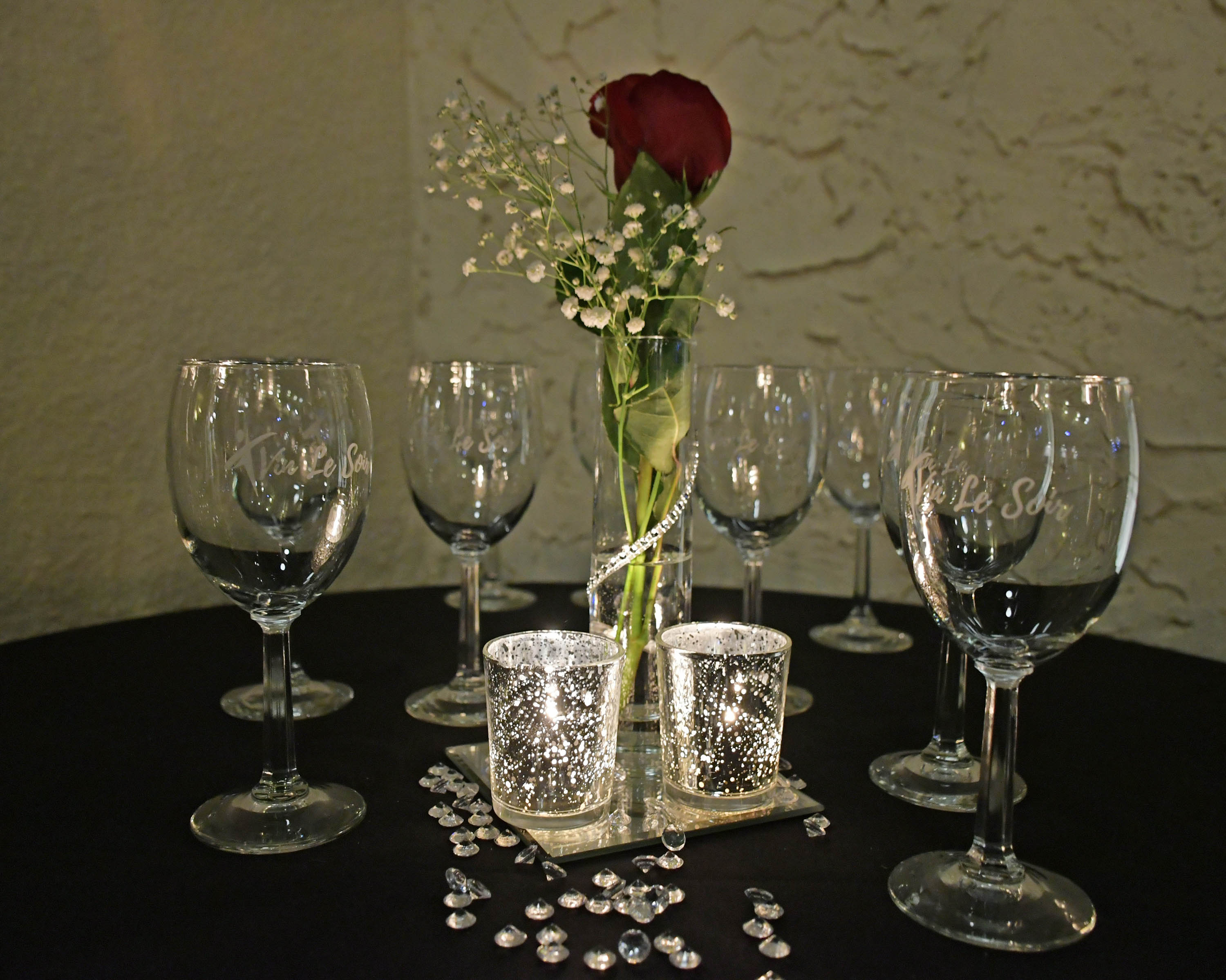 Vin Le Soir to benefit AIM Services, Inc. decor